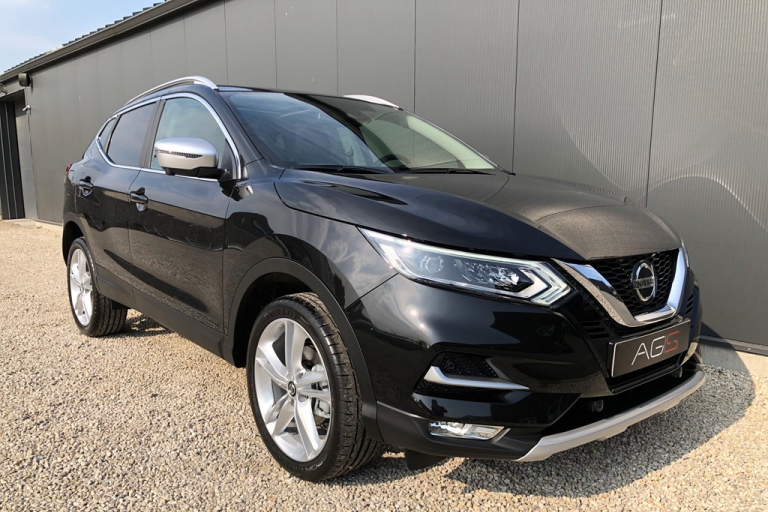 Nissan Qashqai N-Motion Brilliant Black