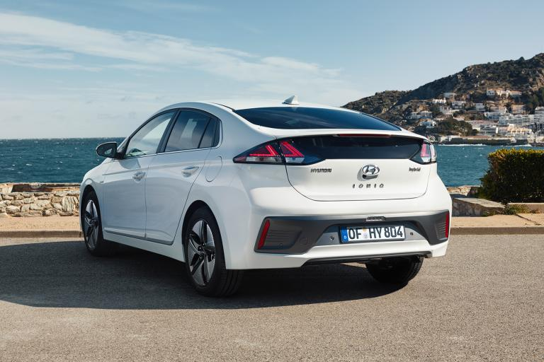 New Hyundai Ioniq Hybrid rear