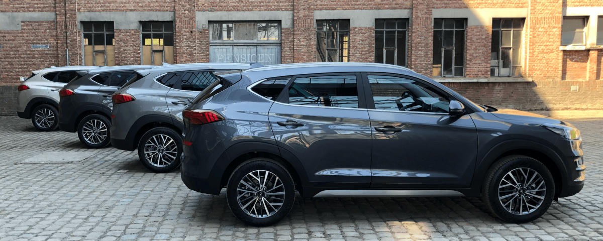Hyundai Tucson kleuren: White Sand, Moon Rock, Olivine Grey en Pepper Grey